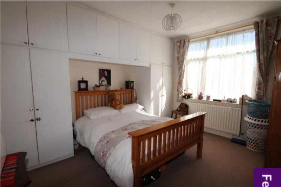 Victorian style large 1 bed flat in Streatham